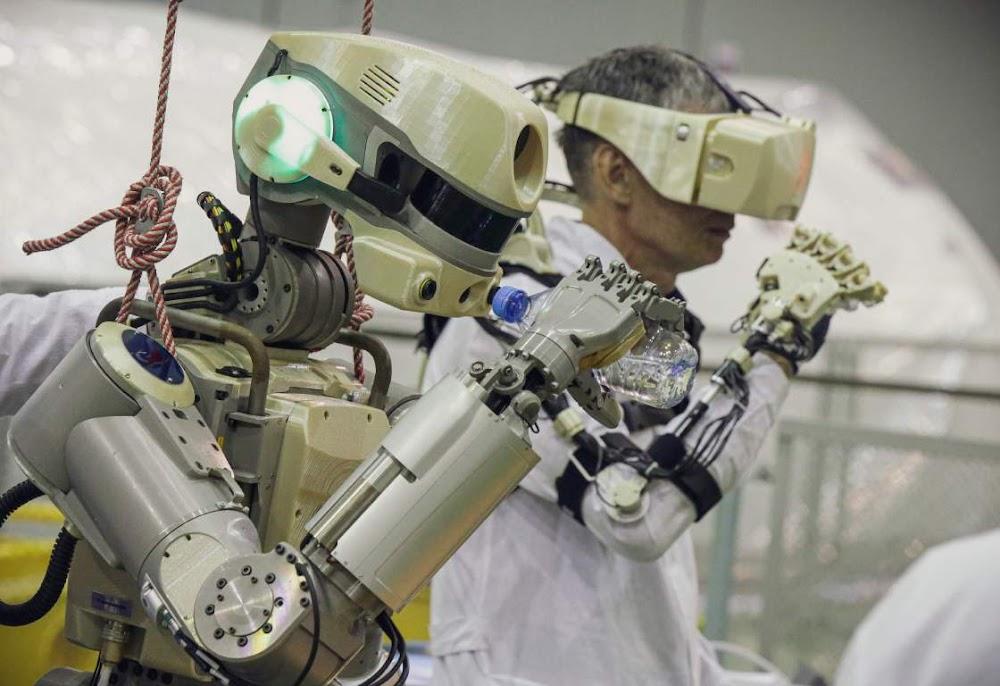 'Laat ons gaan,' sê die Russiese humanoïde robot, wat tien dae in die ruimte sal deurbring