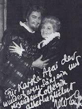Photo: Nicolai GEDDA und Karola AGAI nach einer Lucia di Lammermoor-Vorstellung 1969 an der Metropolitan-Opera. Die Sopranistin ist am 22.2.2010 in Budapest gestorben
