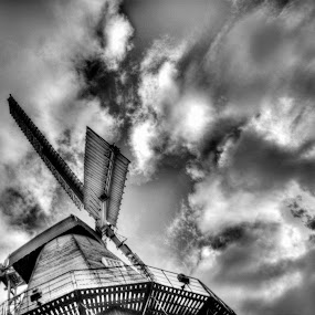mill storm by Kevin Towler - Buildings & Architecture Other Exteriors ( england, uk, structure, building, old, black and white, kent, architecture, windmill,  )