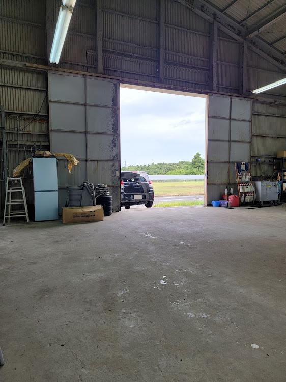 ハリアー AXUH80の早朝洗車,掃除,秘密基地,台風が心配,早く車高調入れたいに関するカスタム&メンテナンスの投稿画像5枚目