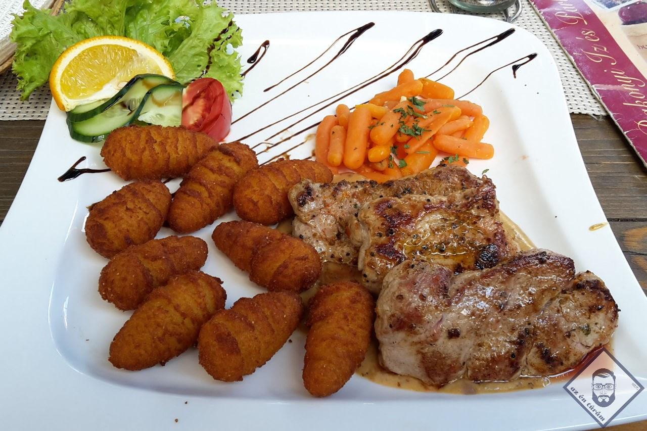 KÉP / Ebéd a Gulyás udvar Étteremben