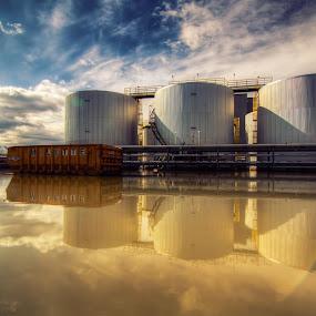 Indus reflection daylight by Joe Hamel - Backgrounds Industrial