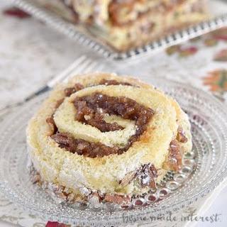 Pecan Pie Cake Roll
