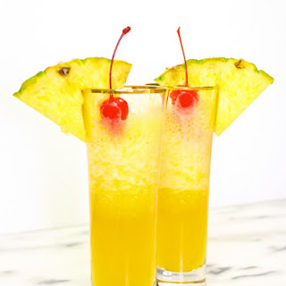 Yummy Pineapple Mimosa Recipe For Summer Brunches!