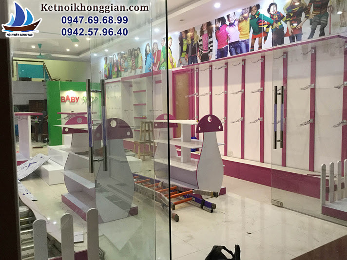 thiết kế và thi công cửa hàng thời trang trẻ em