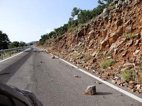 Photo: 10.Na górskich drogach zalegają czasem kamienie, których nikt nie uprząta.
