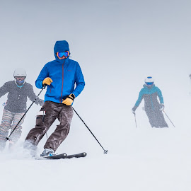 by Michael Last - Sports & Fitness Snow Sports