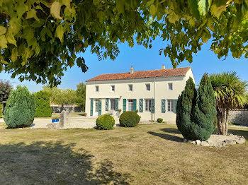 maison à Saint-Martin-de-Juillers (17)