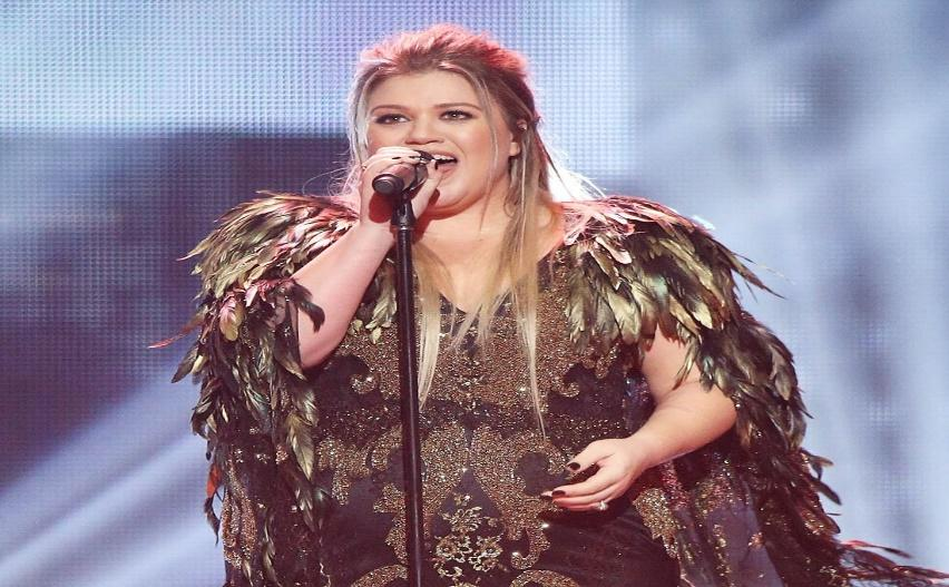 Image result for Kelly Clarkson Performs Kendrick Lamar's 'HUMBLE.' at the 2018 Billboard Music Awards