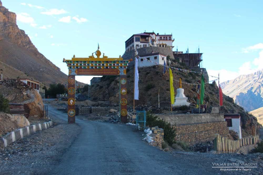 Explorando os mosteiros de Key e aldeias tibetanas próximo de Kaza | Índia