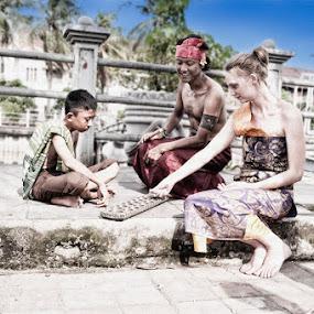Time to play by Basuki Mangkusudharma - People Street & Candids ( play )