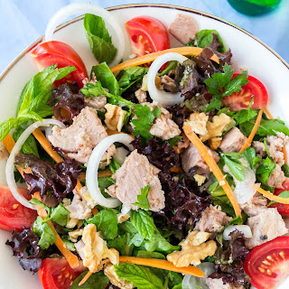 Mediterranean Tuna and Walnut Salad