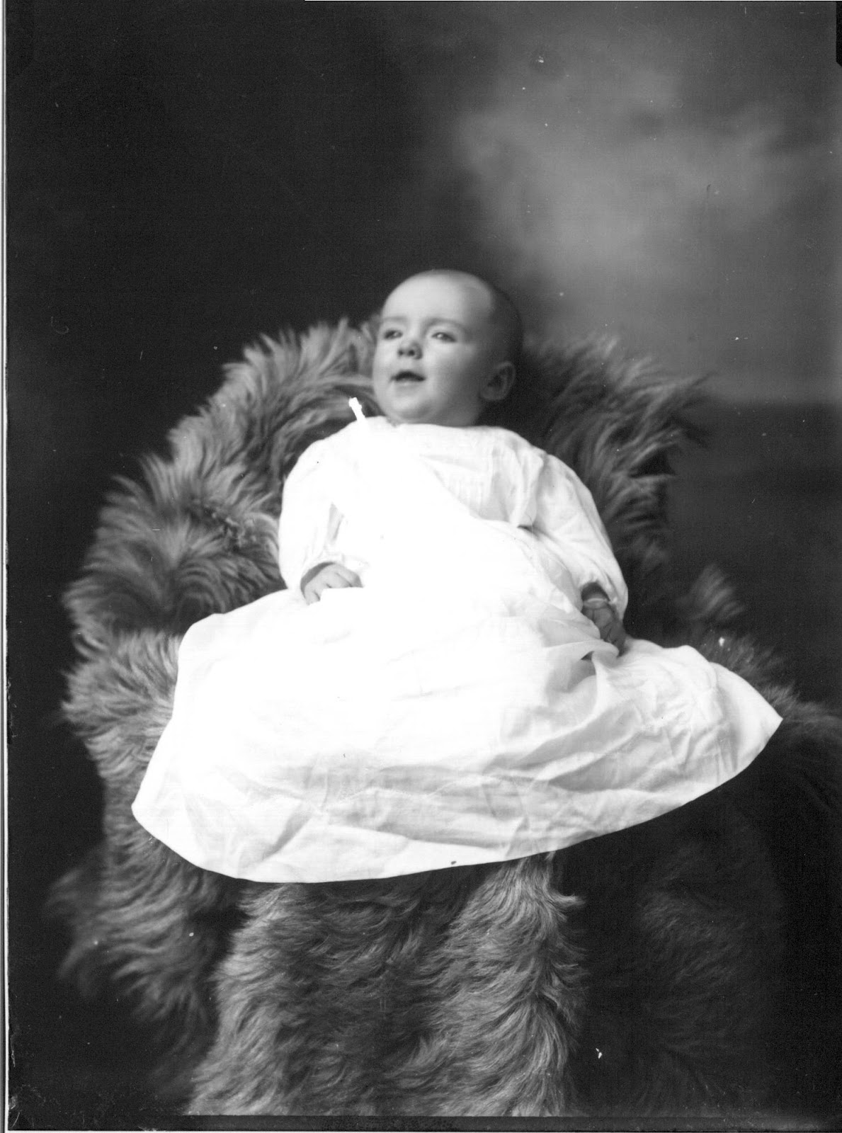 Portrait_photograph_of_A._K._Murry_baby_1912_(3191565892).jpg
