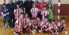 Los niños de Almería con la copa.