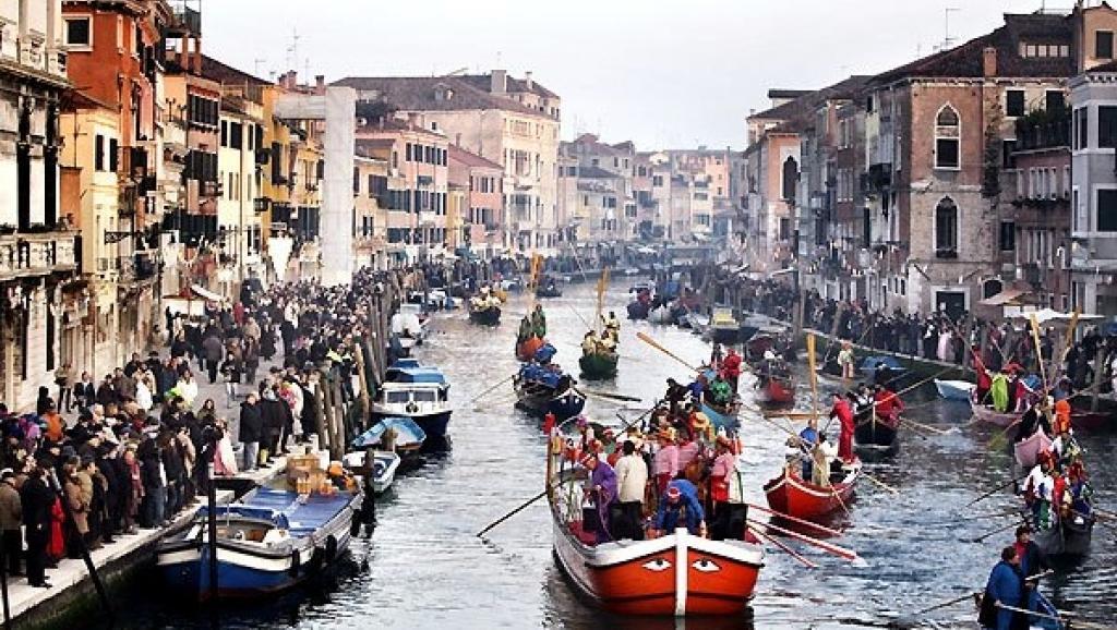 O turismo de massa se tornou um problema tão grande em Veneza (Itália) que tem sido alvo de protestos por parte dos residentes.