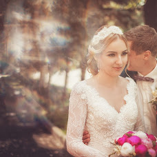 Wedding photographer Yuriy Ronzhin (Juriy-Juriy). Photo of 22.10.2013