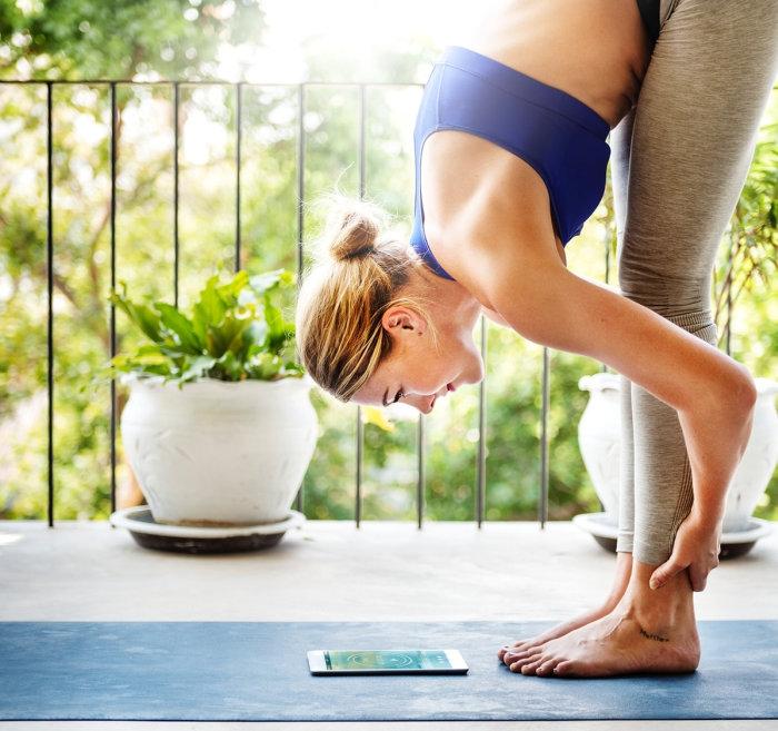 Sokan azért kezdenek jógázni, hogy lelkileg és mentálisan helyrebillenjenek és azt veszik észre, hogy nemcsak a fizikai kondíciójuk javul, de jelentős fogyást is elértek időközben.