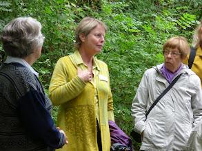 Photo: Ute Ackermann fortæller på Disibodenberg
