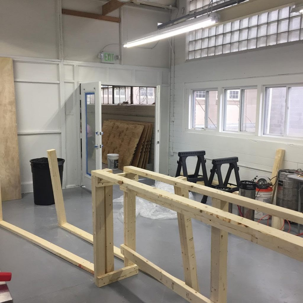Building frame for bar