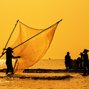 Go fishing by Do AmateurPic - News & Events World Events