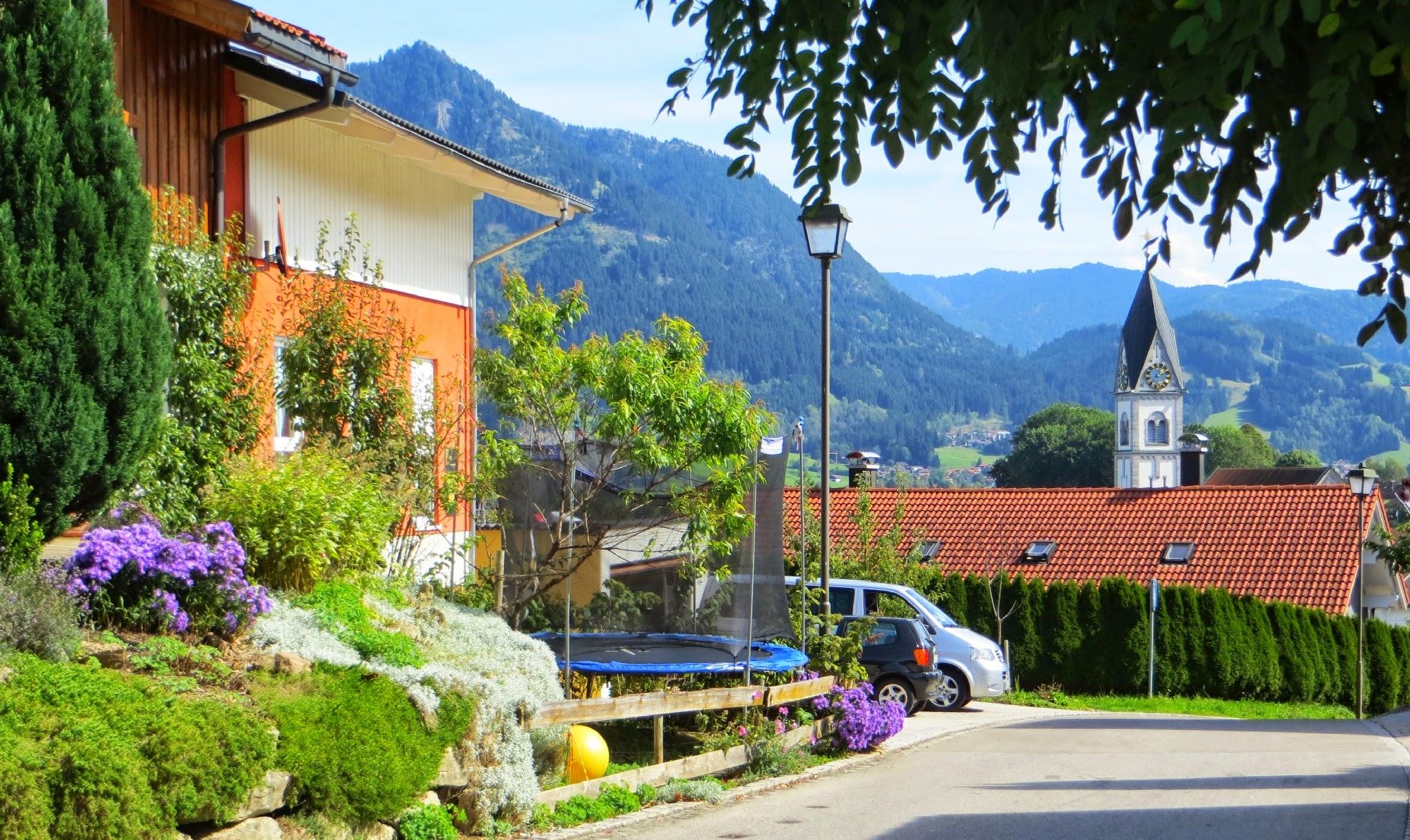 Photo: Blick am Wendepunkt Am Scheibenbach Blick auf das Burgberger Hörnle Spazieren: https://pagewizz.com/blaichach-spazieren-im-allgau-35033/