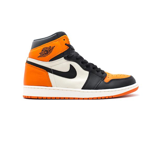 Làm thế nào để có thể nhận biết Nike Sb Dunk và Nike Air Jordan 1 Retro Shattered BackBoard