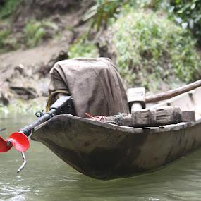 pongpong by Jamani Uyee - Transportation Boats
