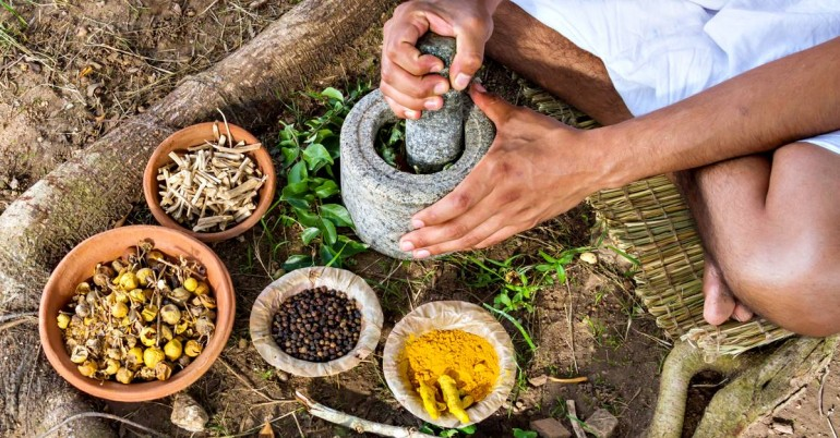 Turmeric And Ashwagandha: Herbs That Can Cure Alzheimer's Naturally