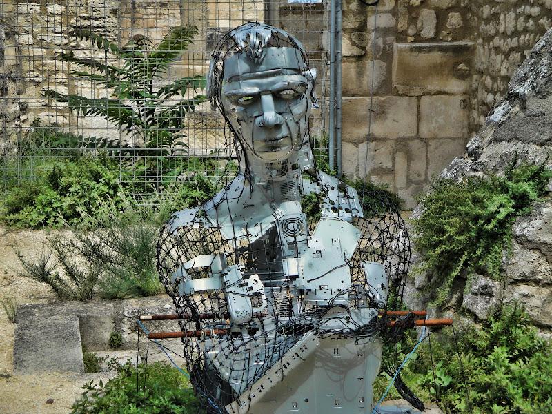 Tutta l'arte è completamente inutile. (Oscar Wilde) di Gianluca Presto