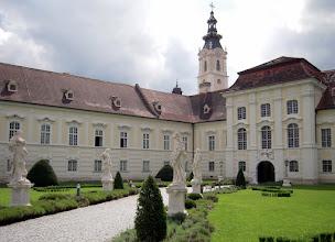 Photo: Itt épült az osztrák barokk egyik legkiemelkedőbb műve, a bencés kolostor és templom, melyet 1144-ben alapítottak