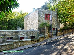 Photo: La Fondation ARP, l'atelier maison de Hans Arp et de sa femme, artistes du courant Dadaïsme des années 1920 - e-guide balade à vélo de Versailles à Meudon par veloiledefrance.com