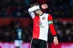 ? Van Persie en Van Bronckhorst krijgen emotioneel afscheid bij Feyenoord