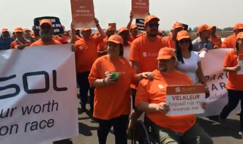 A screen grab of a video footage where Sasol workers in Secunda, Mpumalanga affiliated to Solidarity demonstrating their disapproval of a share scheme offered exclusively to black staff at petrochemicals firm Sasol