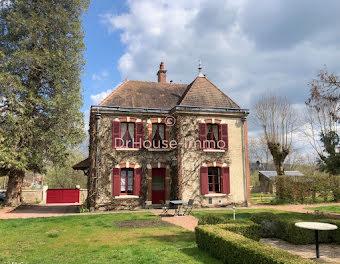 maison à Corbigny (58)
