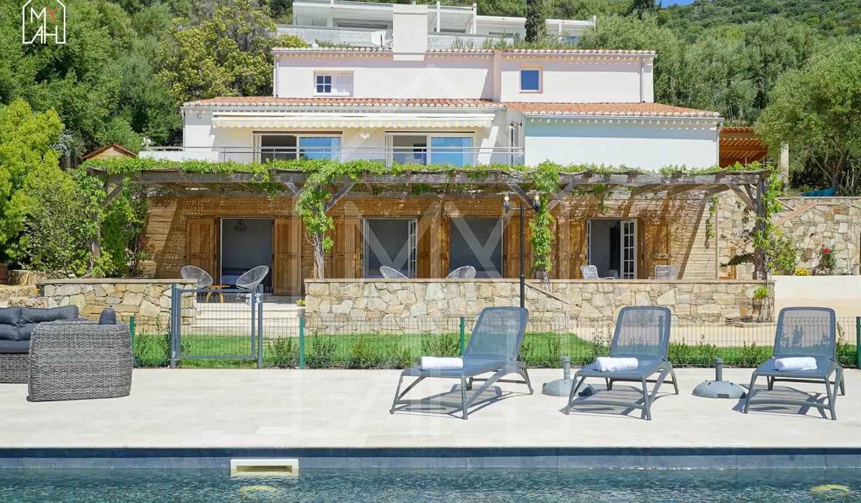 Maison avec piscine en bord de mer Ajaccio