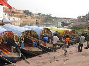 Photo: čluny na řece Mandakini