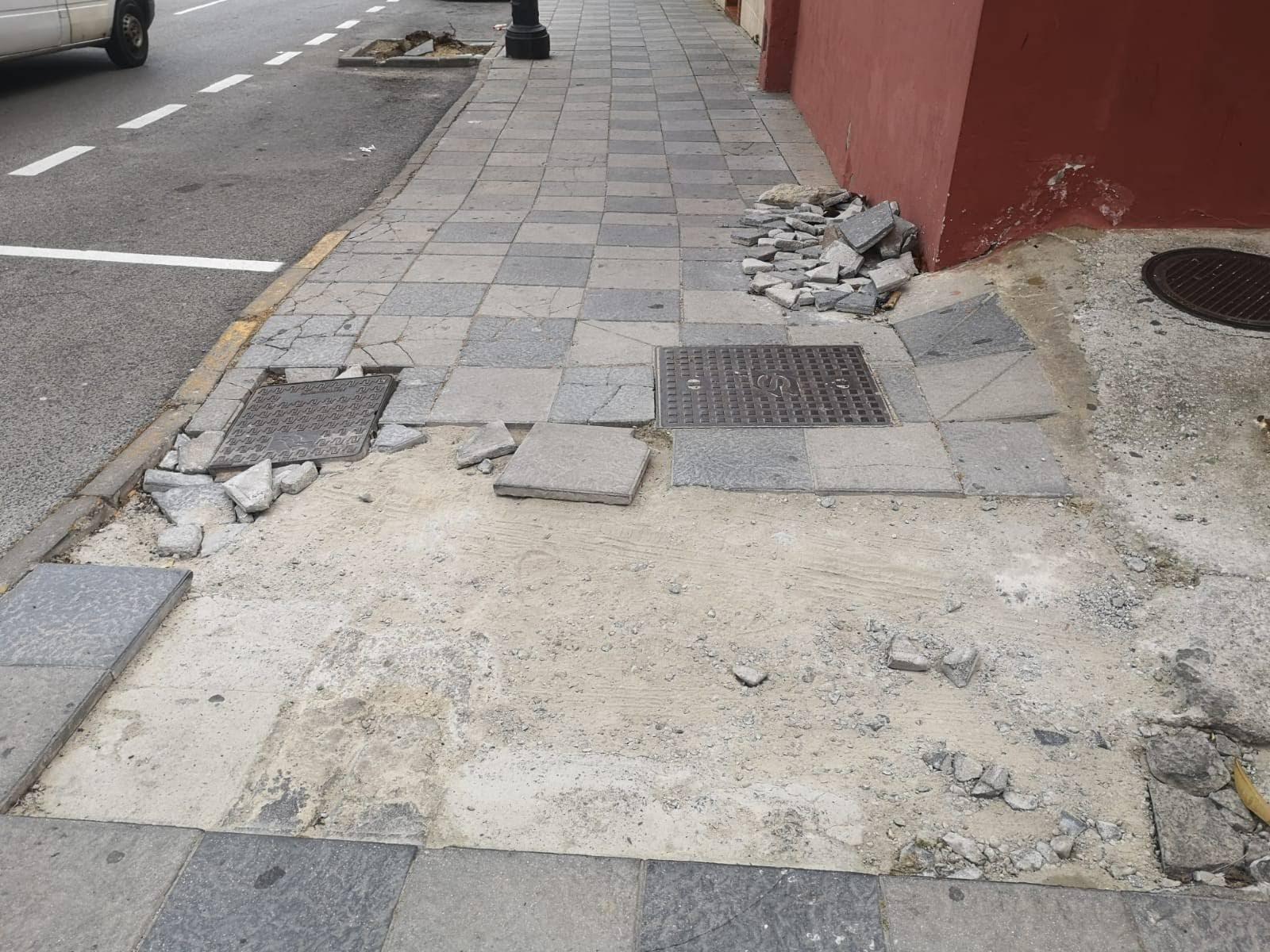 La Voz de Algeciras denuncia la falta de acerado en la calle Millán Picazo