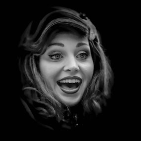Surprised by Sergio Yorick - Black & White Portraits & People ( low key, black and white, woman, surprised, portrait,  )