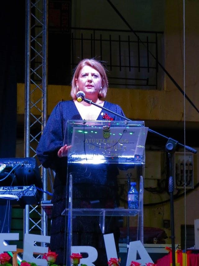 Lourdes Ramos, alcaldesa de Gádor, durante su saluda.