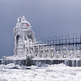 Lighthouse in winter by Gwen Paton - Buildings & Architecture Bridges & Suspended Structures ( michigan, lake michigan, pier and lighthouse, lighthouse, sw michigan, south haven,  )