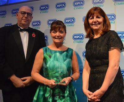 Housing association receives animal welfare award