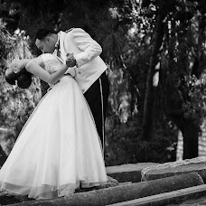 Wedding photographer Kostas Sinis (sinis). Photo of 30.05.2017