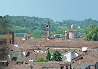 Photo: Torre De Regibus, il campanile del Santuario di San Giuseppe, la Torre Rossa e la chiesa di Santa Caterina