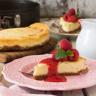 White Chocolate And Berry Baked Cheesecake Recipes