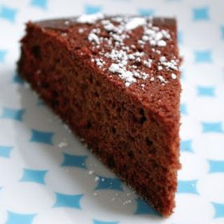 Easy Vegan Chocolate Cake.