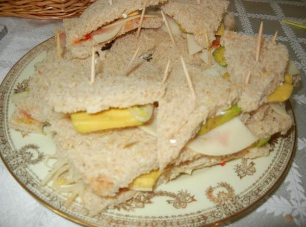 Avacado And Sprout Sandwich Recipe