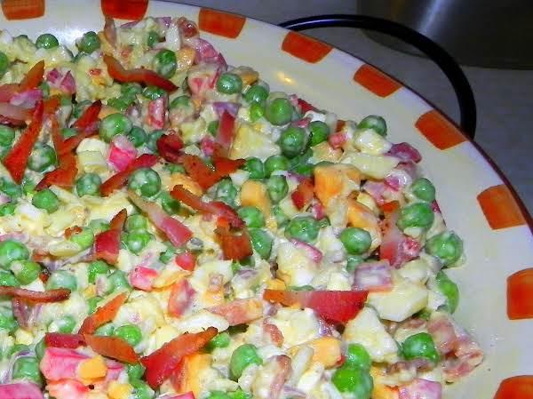 Spicy Crunchy Bacon Pea Salad