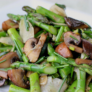 Marinated Mushrooms and Asparagus Salad