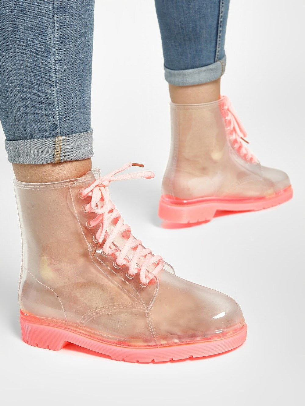 how-to-look-cool-this-monsoon-boots_image