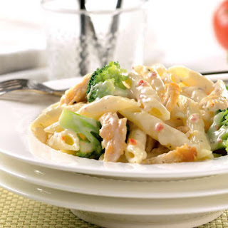 Cheesy Pasta with Chicken & Broccoli.